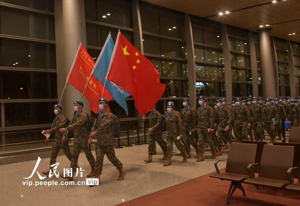 2020年8月18日,中国第19批赴黎巴嫩维和部队第二梯队205名官兵在云南昆明长水国际机场出征。