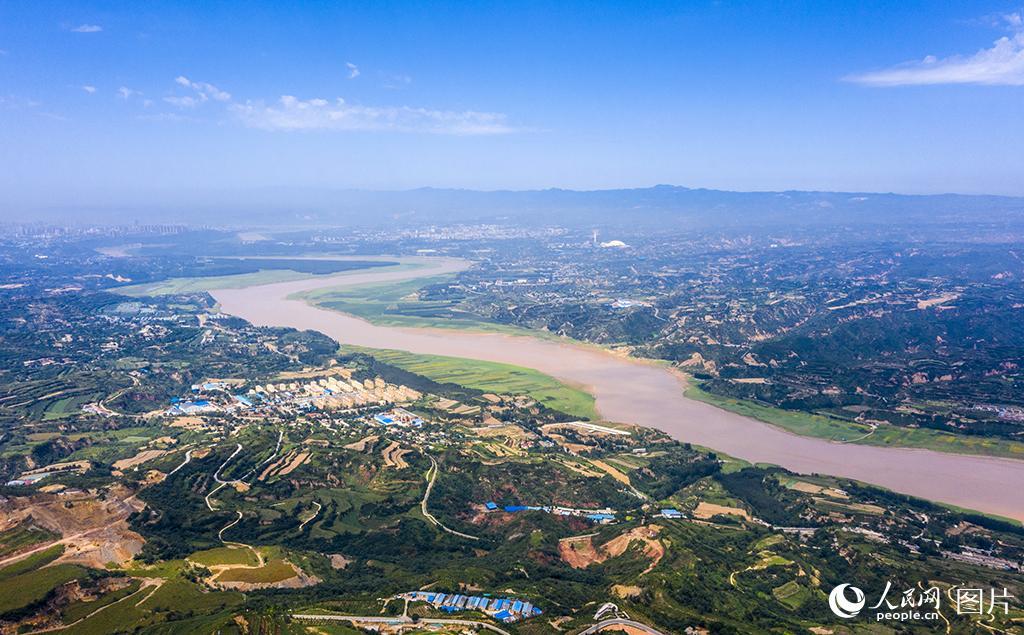 河南三门峡:筑牢沿黄生态安全屏障 荒坡变梯田绿毯铺两岸【2】