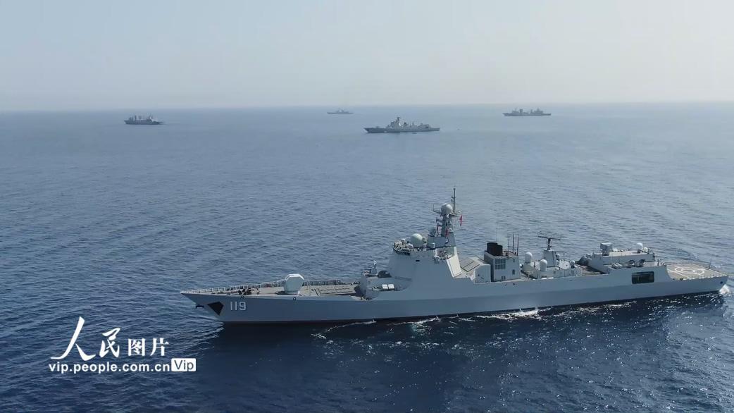 海军第35、36批护航编队在亚丁湾完成任务交接