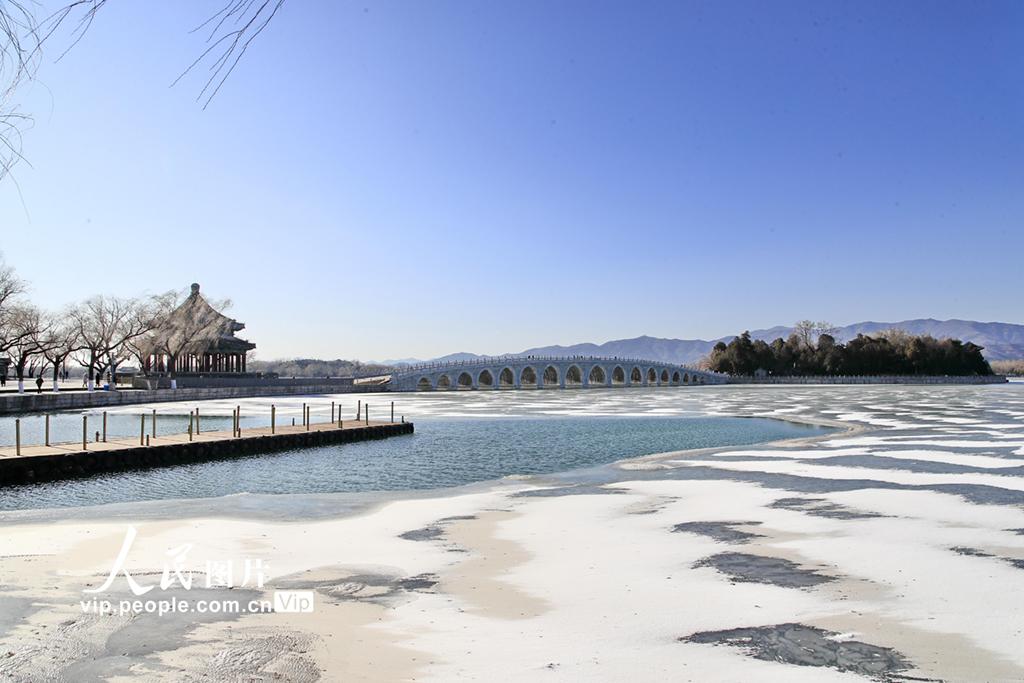 北京:颐和园雪后银装素裹