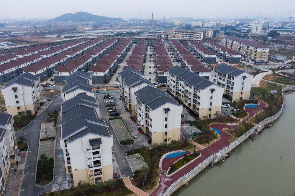 空中俯瞰东林镇星华村的新农村新居(1月5日摄)。
