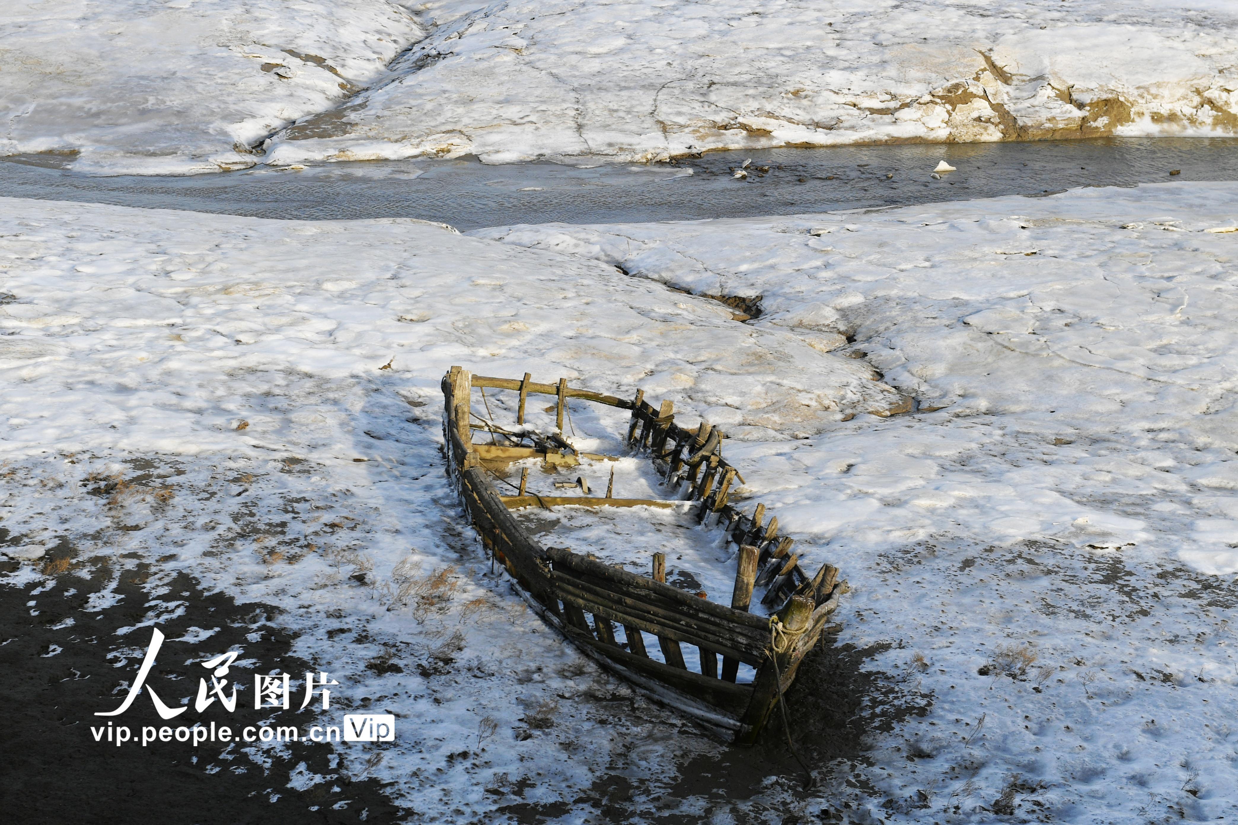 寒潮来袭 山东青岛沿海滩涂开始封冻【2】