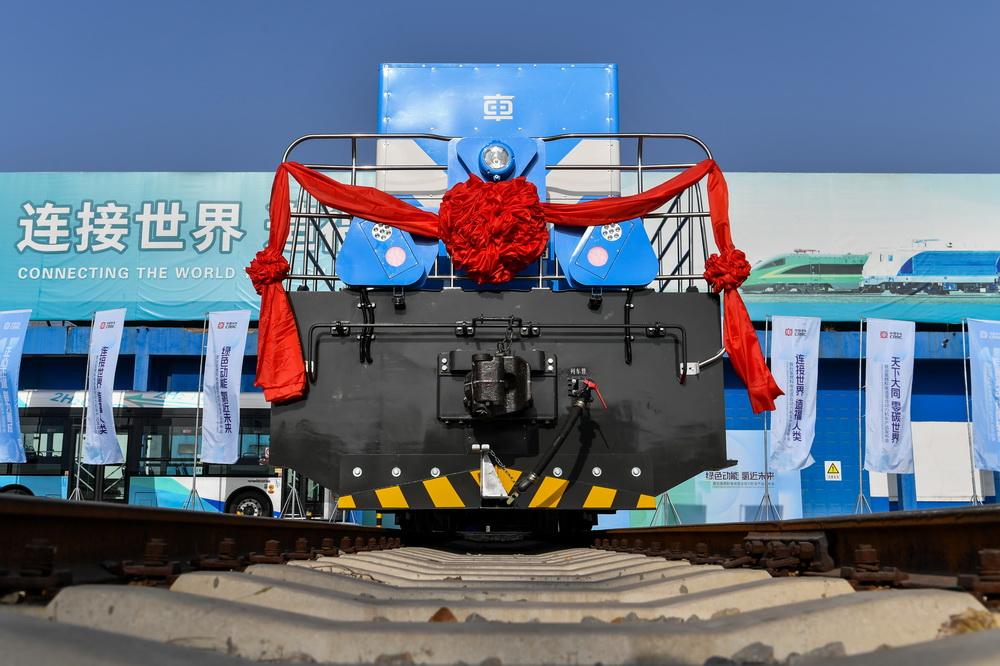这是1月27日拍摄的我国自主研发的首台氢燃料混合动力机车。
