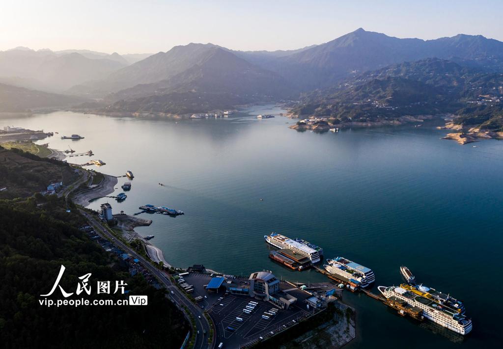 湖北宜昌:三峡水库水位消落至157.43米 为汛期抗洪做准备【6】