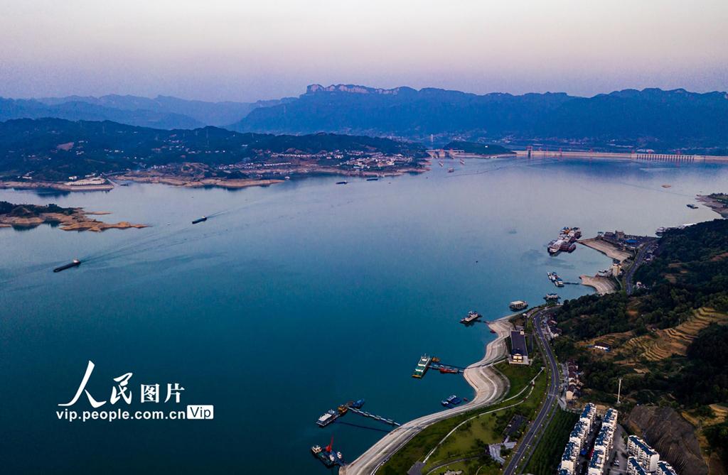 湖北宜昌:三峡水库水位消落至157.43米 为汛期抗洪做准备【5】