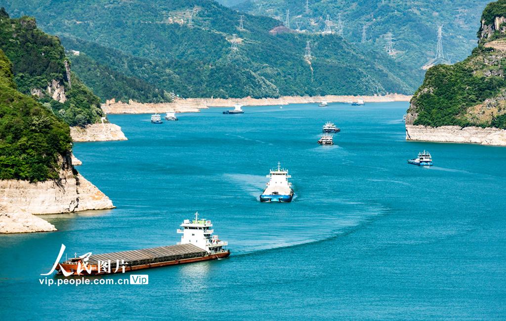 湖北宜昌:三峡水库水位消落至157.43米 为汛期抗洪做准备【8】