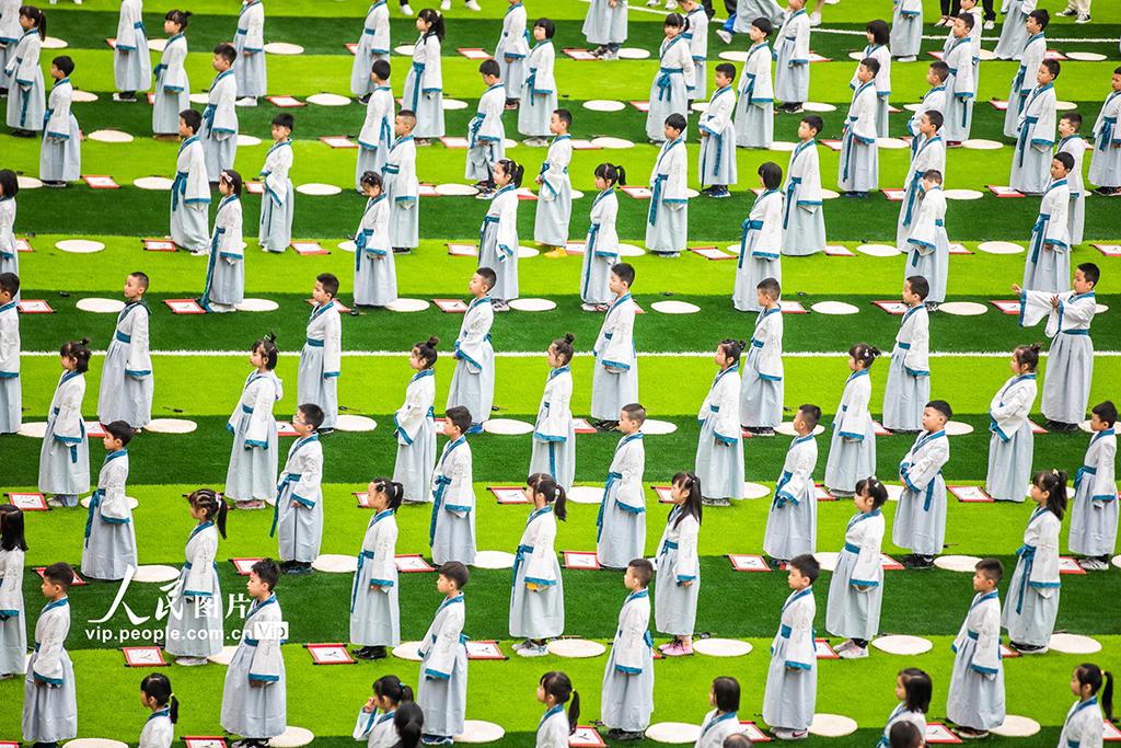 """贵州毕节:孩子""""开笔破蒙""""体验传统文化【5】"""