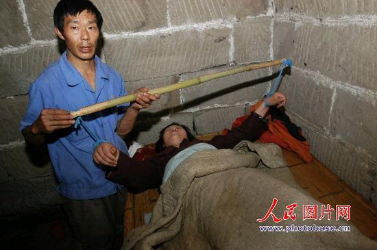 组图:重庆梁平17岁少女尸体火化炉前复活