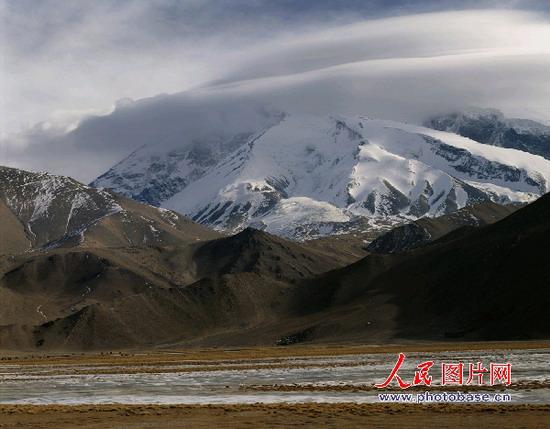 :新疆慕士塔格峰