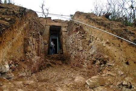 苏州鸡笼山古墓出土一批珍贵文物