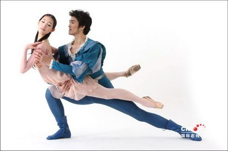 芭蕾舞白袜脚图片