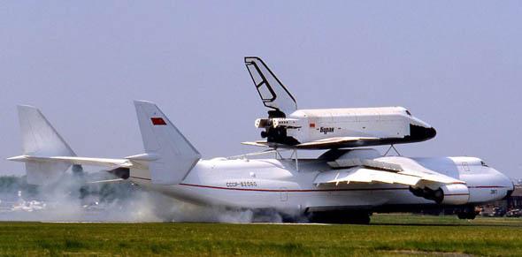 """组图:苏联""""暴风雪""""号航天飞机将在德国展出 (9)"""