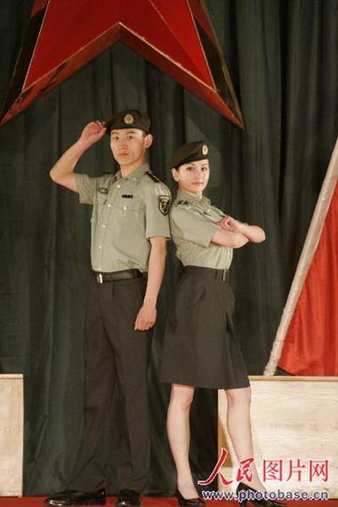 07式军官短袖夏常服-新疆军区07式服装试穿展示图片