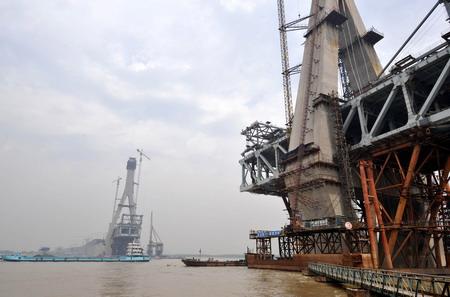 组图:建设中的武汉天兴洲长江大桥
