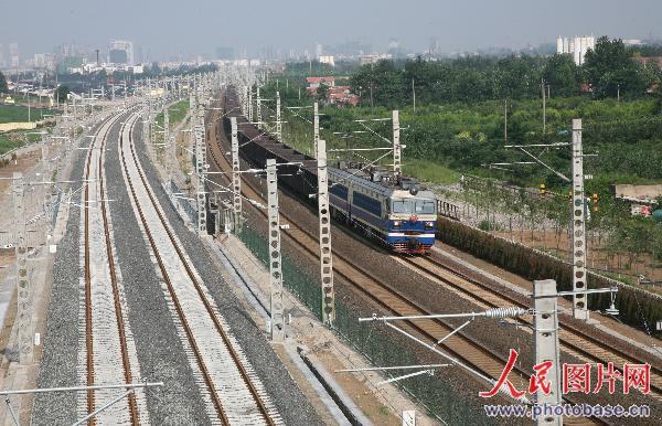 奥运重点交通项目 胶济铁路客运专线开通运营