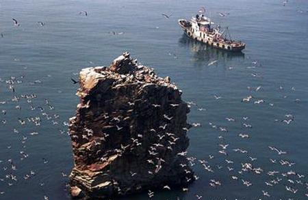 它是由长岛,长山岛,庙岛,竹山岛,大小黑山岛,猴矶岛,高山岛,砣
