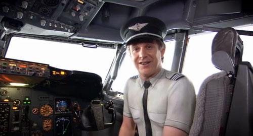 新西兰航空机长空姐全裸拍广告 网上大热 (2)