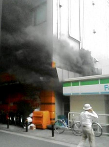 日本大阪发生一起疑似纵火事件 (2)