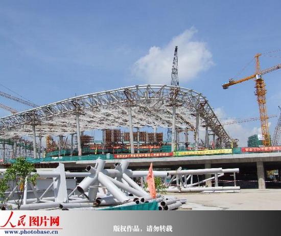 广州亚运城综合体育馆进入钢结构吊装阶段