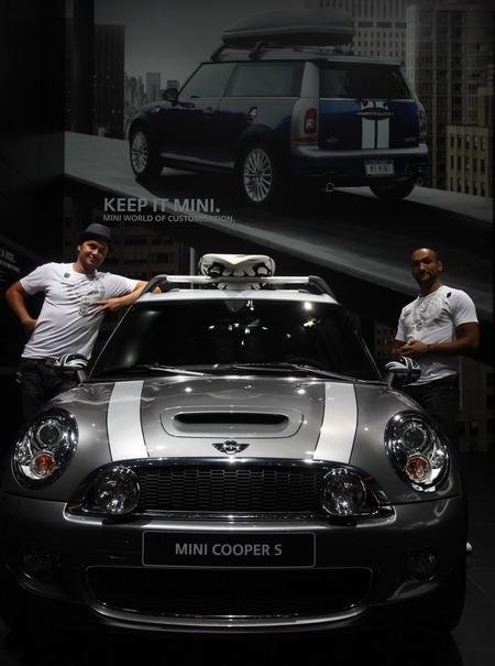 宝马mini cooper s跑车在德国法兰克福举行的2009法兰克福国际车展上