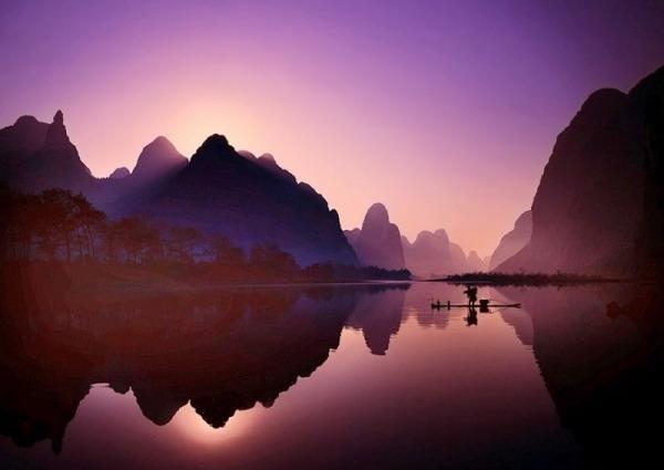 新版人民币20元背面的漓江山水漓江风景区是世界上规模最大