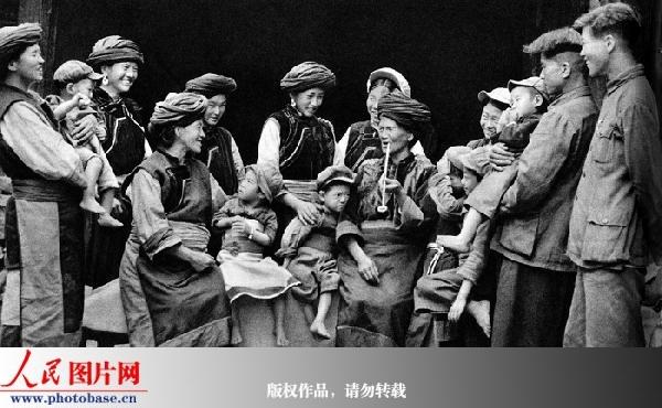 云南兰坪县普米族一家人,1964年 苏俊慧 版权作品,请勿转载
