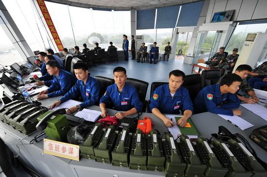 陆航空中梯队指挥塔台全景