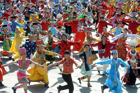 大型民族团结舞蹈 爱我中华 场景
