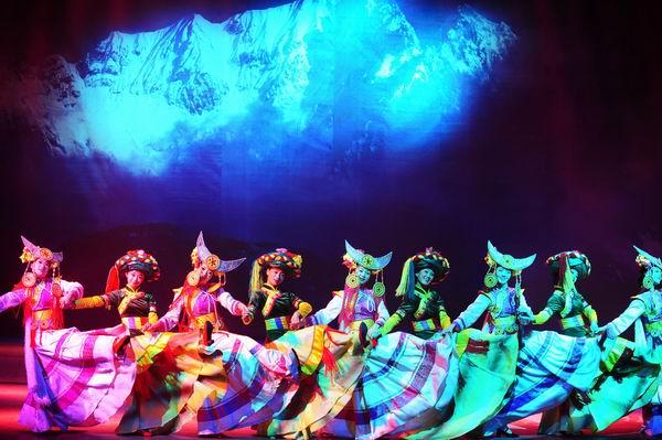 丽江各民族的舞蹈诗画