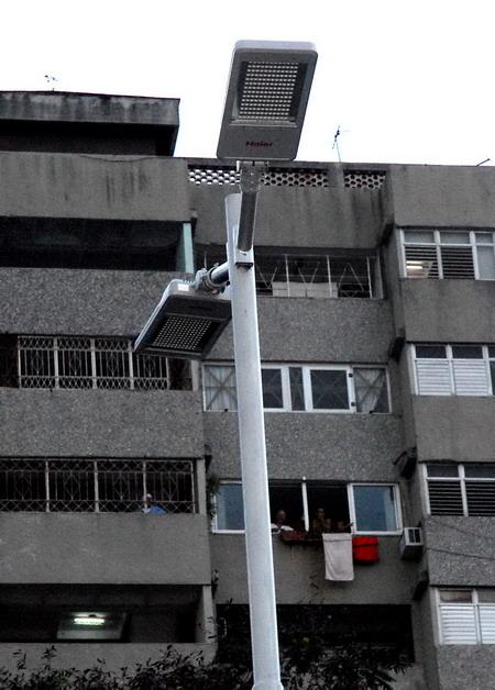 哈瓦那街头亮起中国高效节能路灯