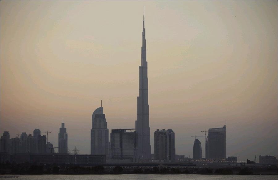 高清:从世界第一高楼迪拜塔俯瞰周边建筑照片曝光