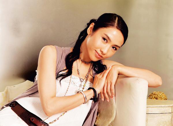 香港美女性感华丽写真