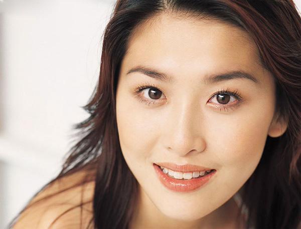 香港美女的性感写真周丽淇(8)逛街美女看老公图片