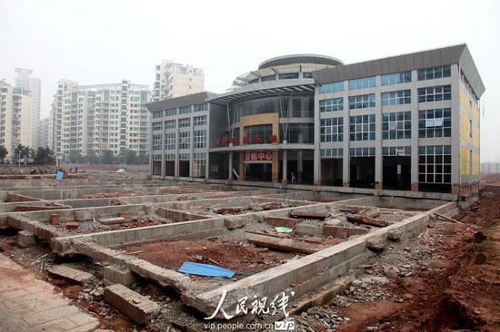 湖南衡阳:7000吨建筑物成功平移29米