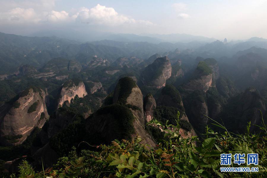 湖南崀山风景区八角寨风光。(2010年7月13日摄)