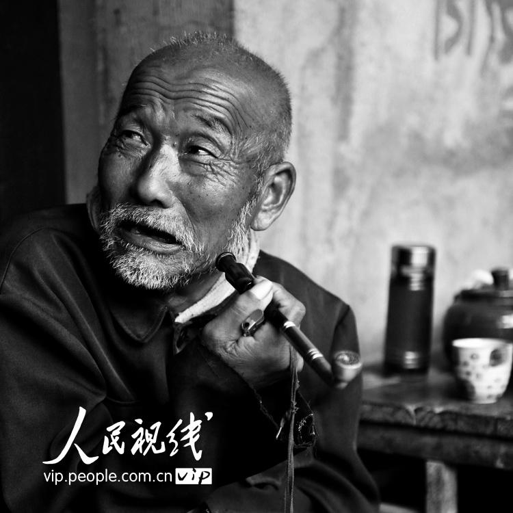 五十岁老男人生活照