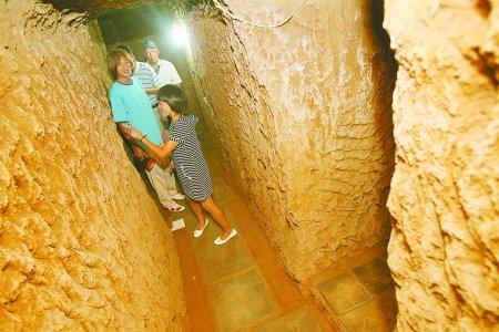 河南一退休矿工应对房价飞涨 深掘6米造地下标间