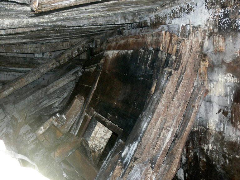 秦始皇 祖坟 被盗/这是在墓中拍摄的情景。...